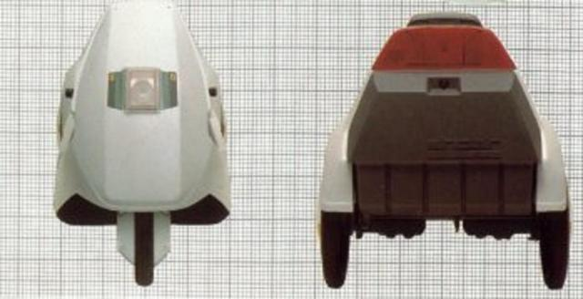 Sinclair C5 - front and rear views